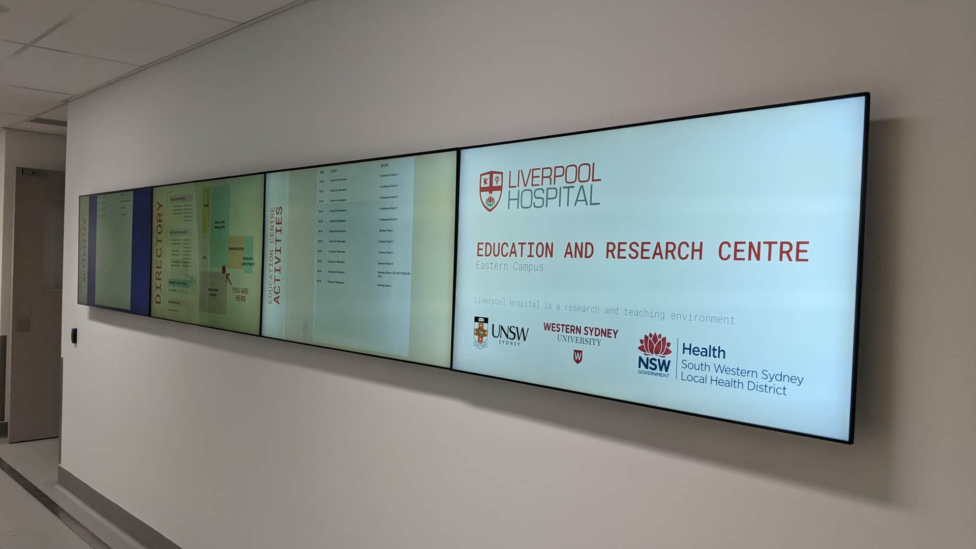 Advertise Me Video Wall Digital Directory Wayfinding UNSW 4x1 Main Entrance 2